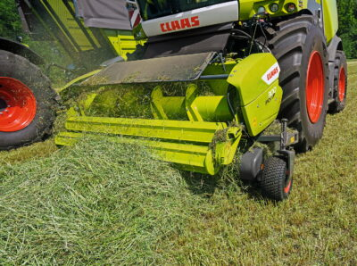 Studies have shown throughput from the Jaguar 990 and variable-speed reel in wholecrop silage increased by 13.7 per cent in extreme conditions compared with an all-mechanical constant-speed drive